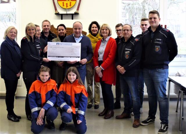 Lions-Club Altenkirchen spendet für Jugendfeuerwehr Horhausen
